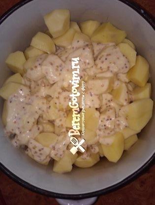 курица-и-картофель-в-соусе