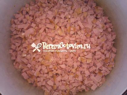 колбаса-кубиками