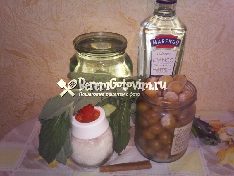 ингредиенты-для-ликера-из-алычи-и-мяты