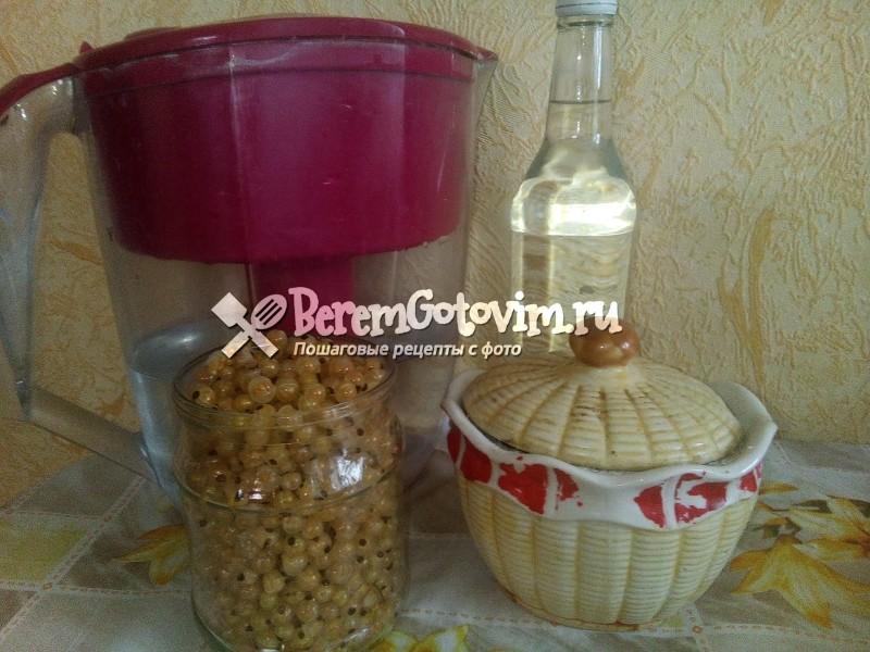 ингредиенты-для-ликера-из-белой-смородины