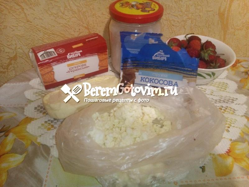 ингредиенты-для-рафаэлло-с-клубникой