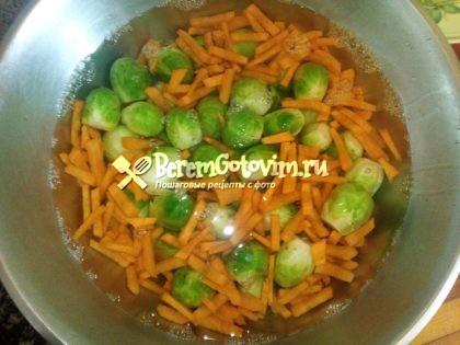 отвариваем-капусту-с-морковью