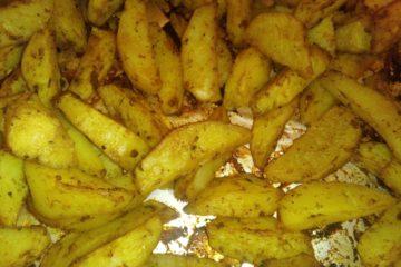 Румяная картошка в духовке