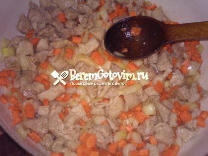 обжариваем-овощи-с-мясом