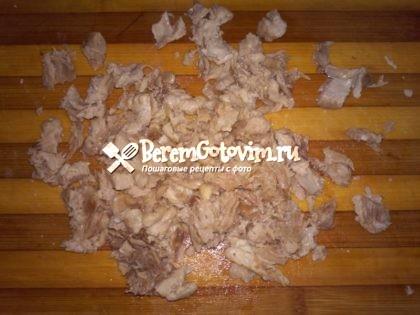 отделяем-куриное-мясо-от-костей
