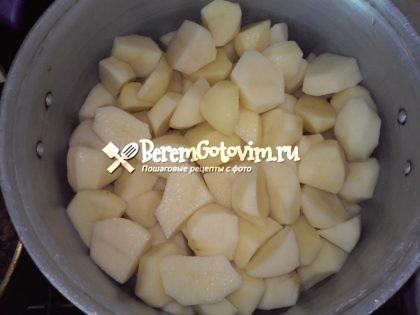 выкладываем-картофель
