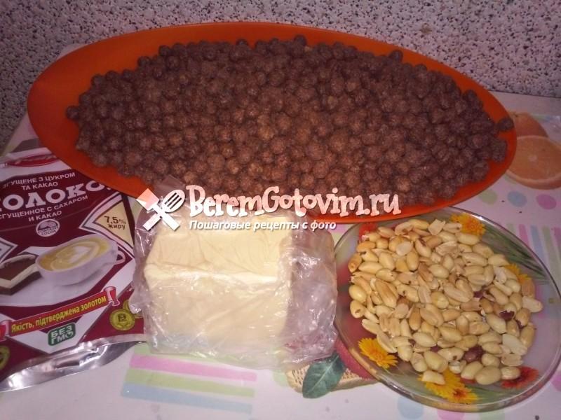 ингредиенты-для-хрустящего-торта-из-шоколадных-шариков
