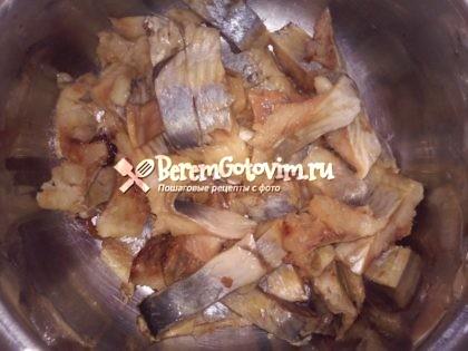 сельдь-нарезаем-на-филе-по-1-см