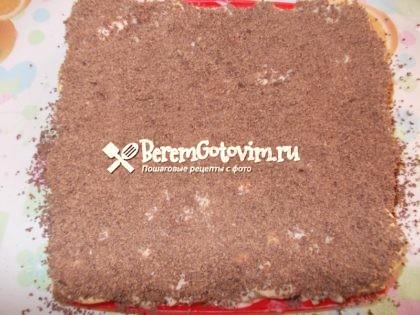 посыпаем-торт-шоколадом