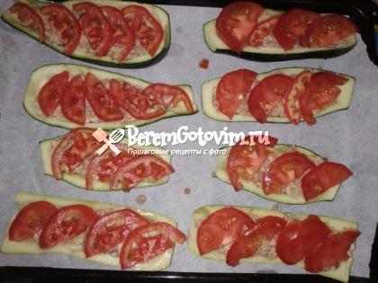 сверху-помидоры