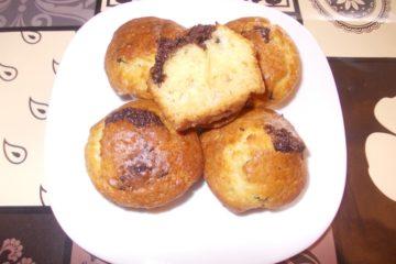 Шоколадные маффины с начинкой