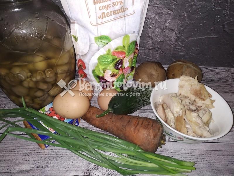 ингредиенты-для-салата-грибная-поляна-с-шампиньонами