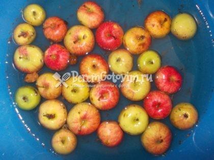 моем-яблоки