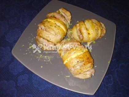 Картошка-гармошка с салом в духовке