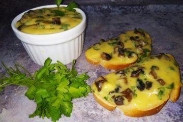 Домашний плавленый сыр с грибами